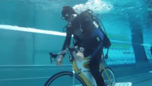laengste-fahrradfahrt-unter-wasser