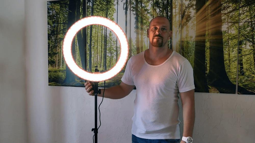 Ein gutes Fotolicht unter 100 Euro - Die Neewer Ringleuchte