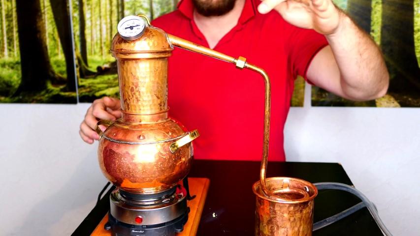 Schnaps selbst brennen – Alkohol, Ätherische Öle und Wasser destillieren
