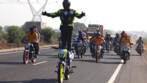 Motorrad-Sattel-Stehen