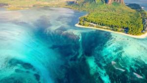 Unterwasser-Wasserfall-Mauritius